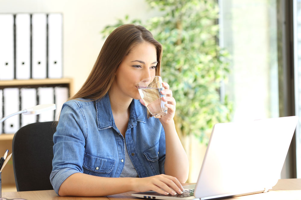 Combat Dehydration in the Workplace with These 5 Simple Steps